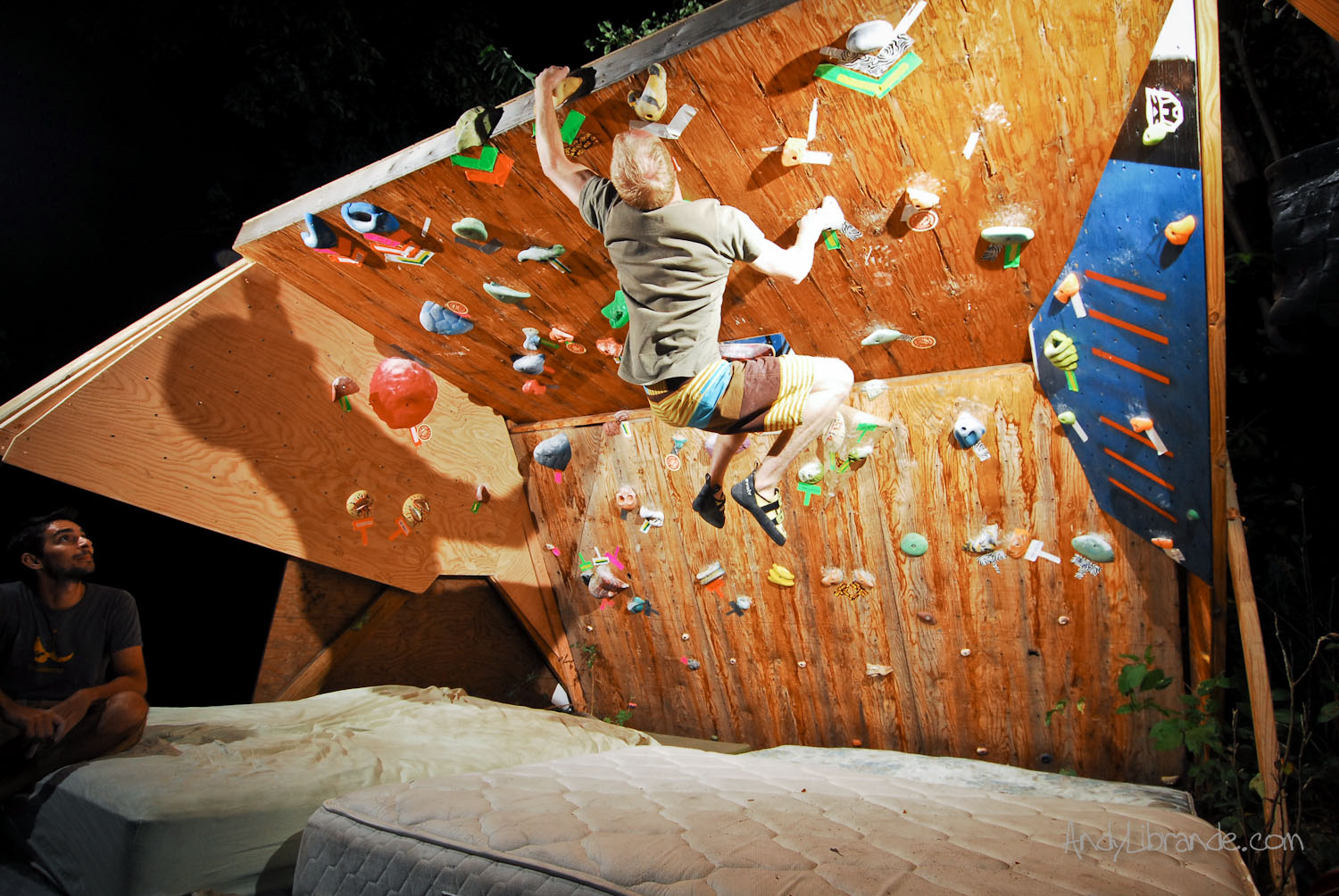freestanding climbing wall - Home Climbing Wall Designs