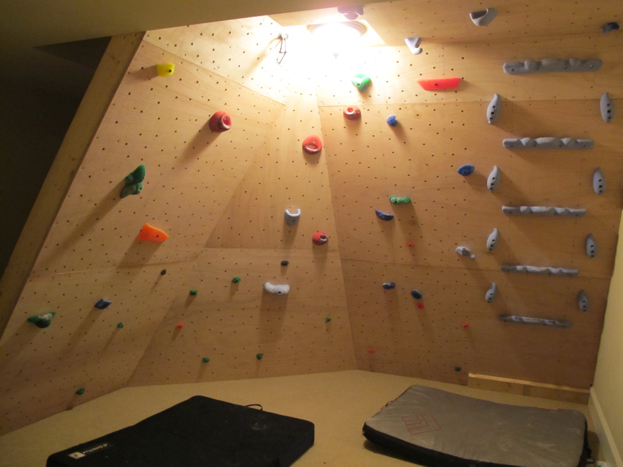 Inspiration gallery the home climbing wall resource for Home climbing