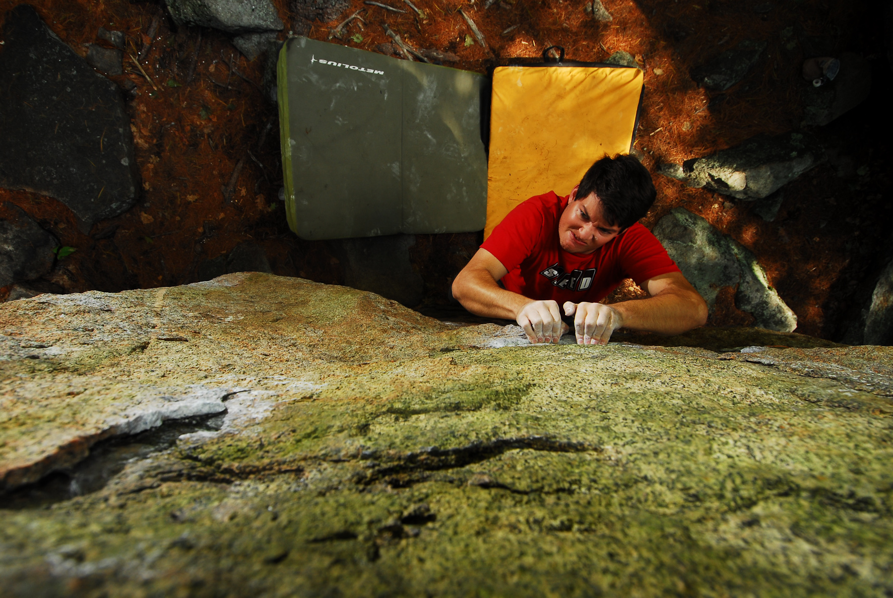 Andy Librande Bouldering in Pawtuckaway