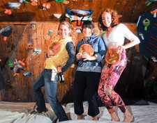 Women&#039;s 1st-3rd Backyard Bouldering Comp 2011