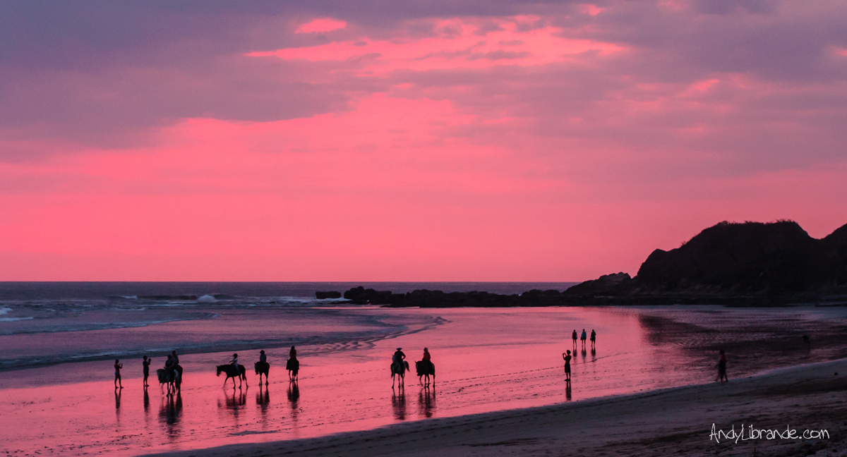 Pink Sunset Playa Guiones, Nosara